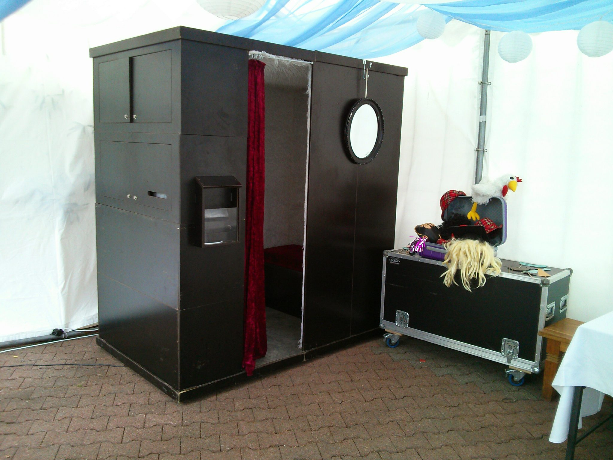 die fotobox auf einer hochzeit in duisburg am rhein die. Black Bedroom Furniture Sets. Home Design Ideas