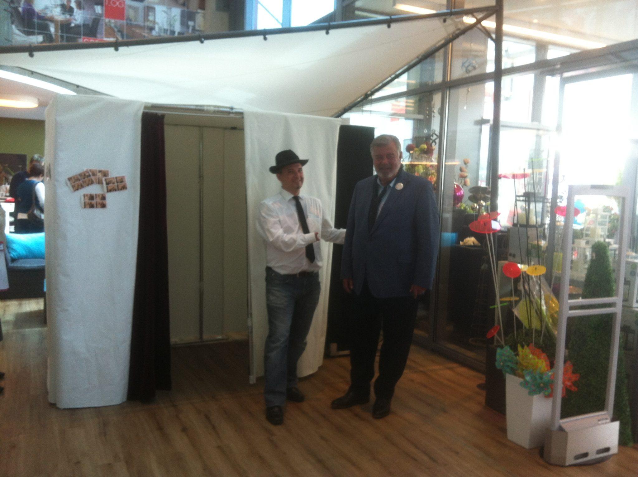 Die Fotobox bei Möbel Preiss mit Harry Wijnvoord